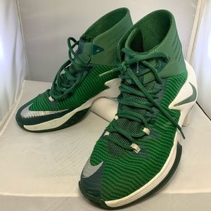 Nike Zoom Clear Out Mens Basketball Shoes